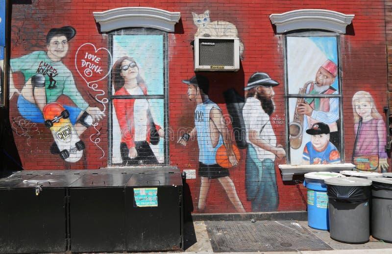在更低的东边的墙壁上的艺术在曼哈顿 库存图片