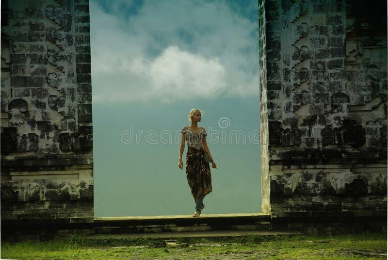 在巴厘岛的云彩寺庙 免版税图库摄影