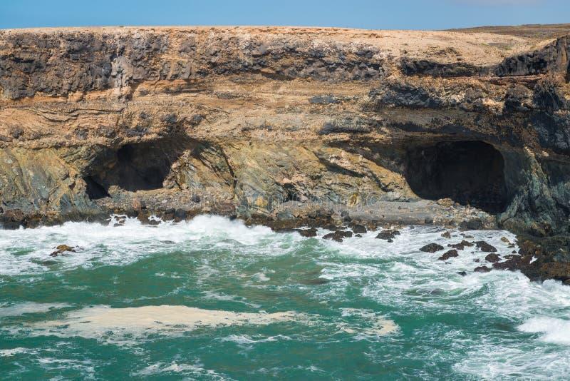 在费埃特文图拉岛海岛上的Ajuy洞 图库摄影