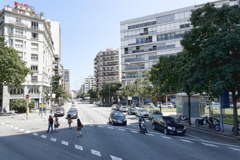 在巴塞罗那街道上的交通  库存照片