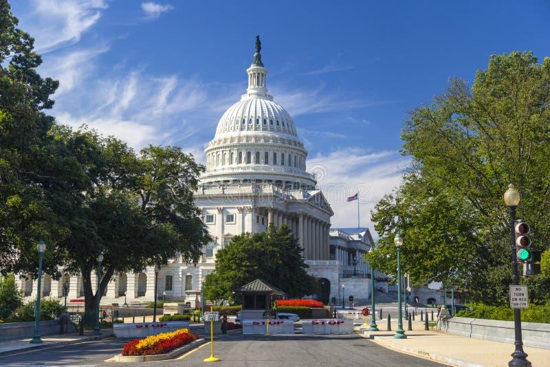 在晴天期间,华盛顿特区,美国国会大厦大厦在8月 免版税库存照片