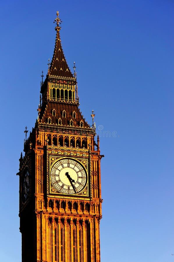 在晴天蓝天的大本钟 艺术性的水彩过滤器-调色刀 库存照片