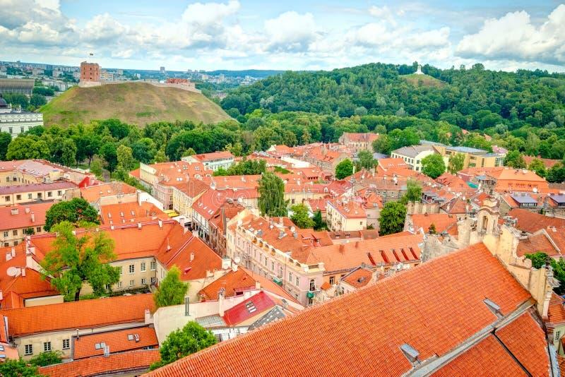 Download 在维尔纽斯,立陶宛的首都屋顶的看法 库存图片. 图片 包括有 城市, 绿色, 室外, 房子, 资本, 降低 - 62532815