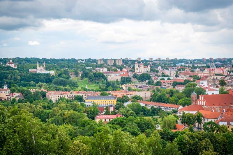 Download 在维尔纽斯,立陶宛的首都的看法 库存图片. 图片 包括有 教会, 有历史, 降低, 室外, 街市, 布哈拉 - 62532233