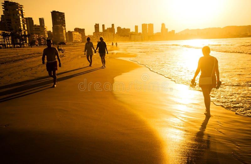 在贝尼多姆海滩,西班牙的日出 库存图片