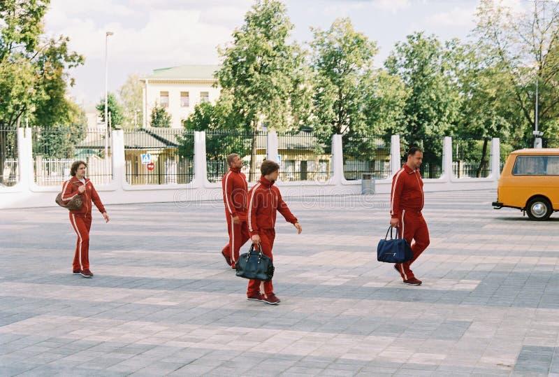 在1980年拍摄关于奥运会的电影在莫斯科-供以人员运动员走 免版税库存图片