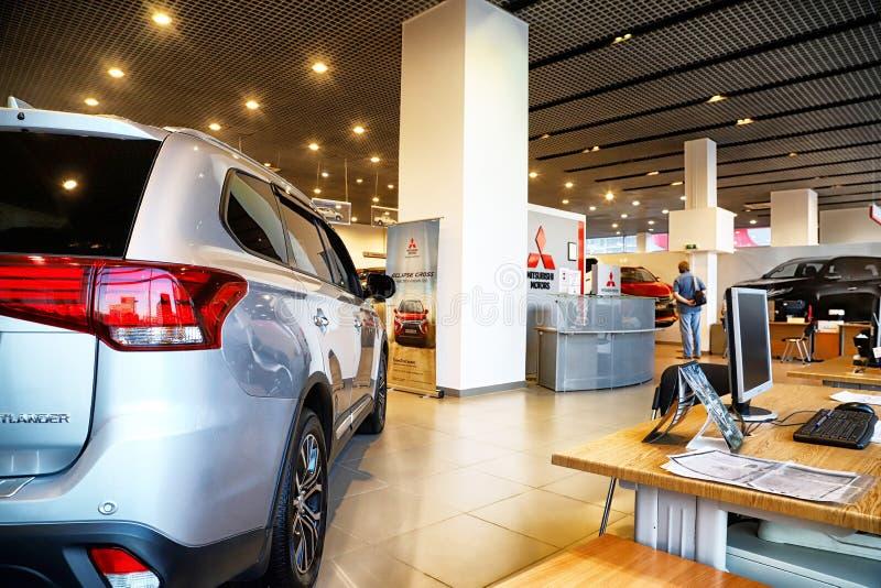 在2018年汽车在经销权三菱陈列室里在喀山 免版税库存照片