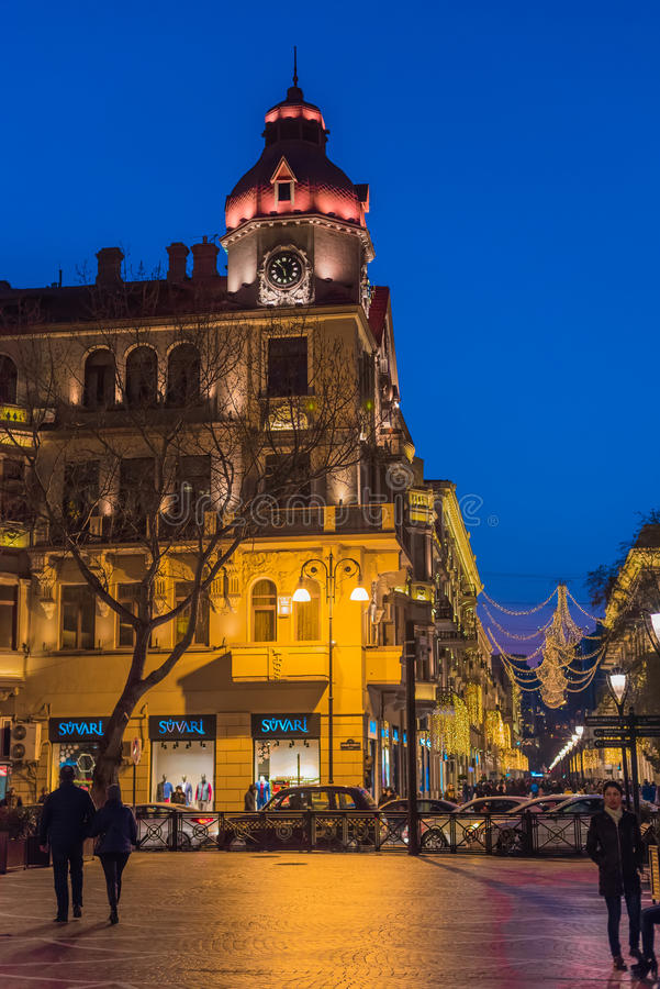 在巴库街道上的晚上 免版税库存照片