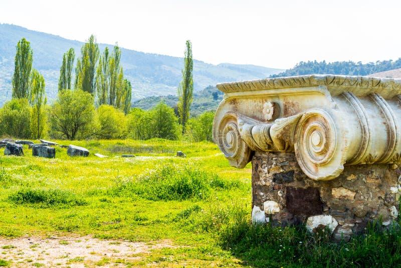 在以弗所和Sardis附近的希腊语亚底米神庙 库存照片
