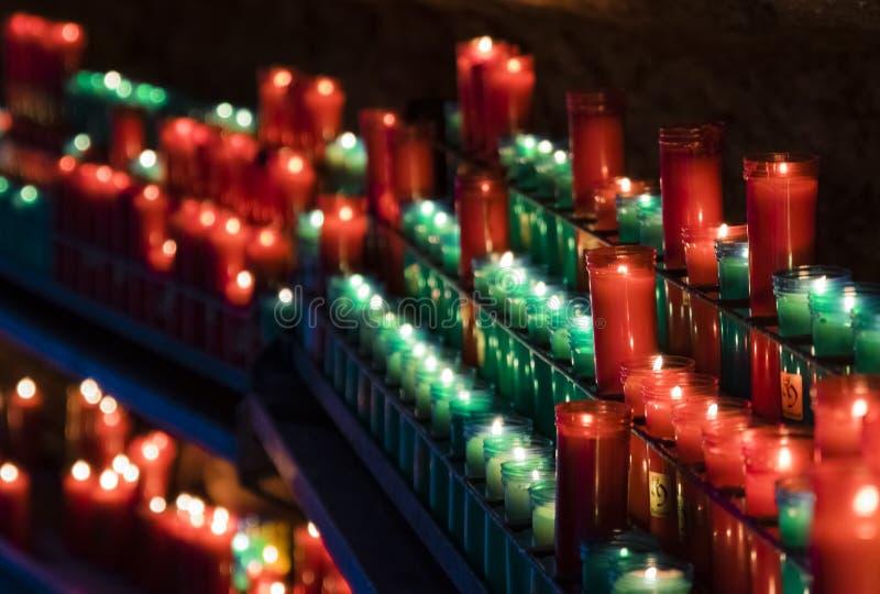 在阴影的蜡烛 免版税库存图片