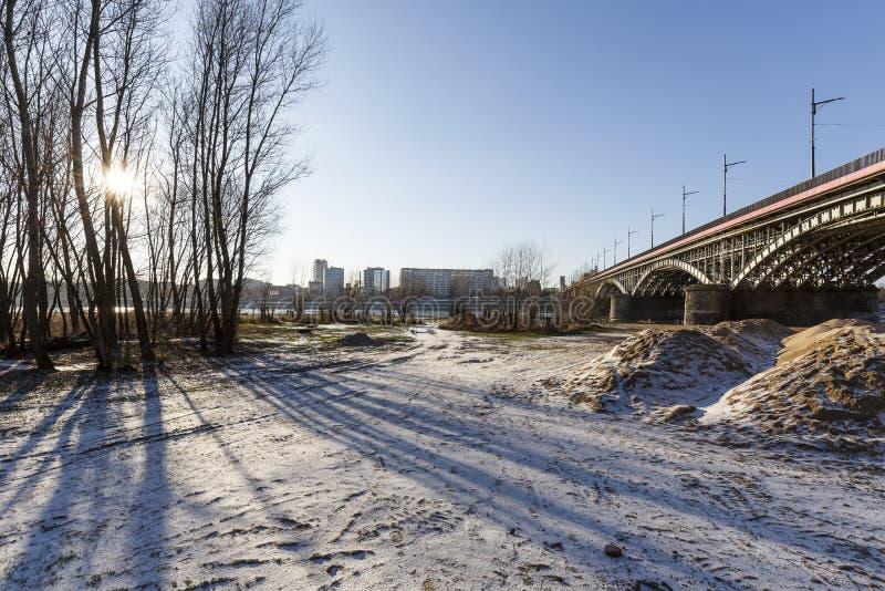 在维斯瓦河附近的区域由桥梁 图库摄影