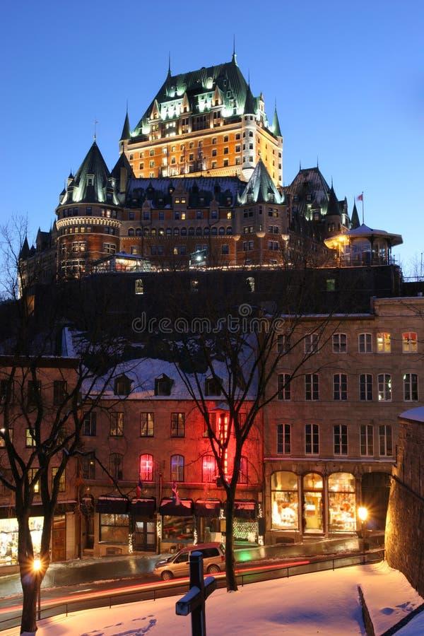 在黄昏的大别墅Frontenac在冬天,魁北克 库存照片