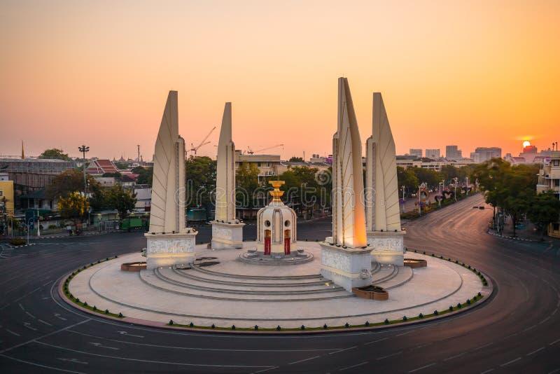 在黄昏的民主纪念碑 免版税库存照片