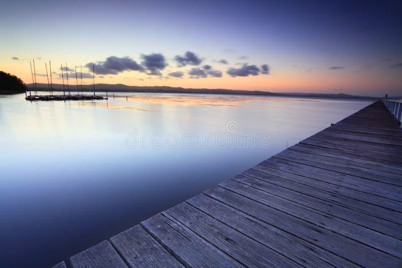 在黄昏的长的跳船澳大利亚 免版税图库摄影