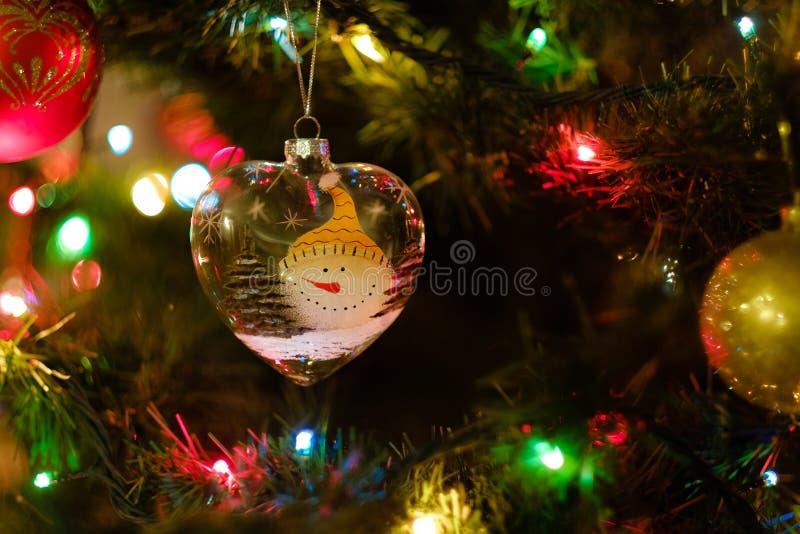 在结构树的圣诞节装饰品 库存图片