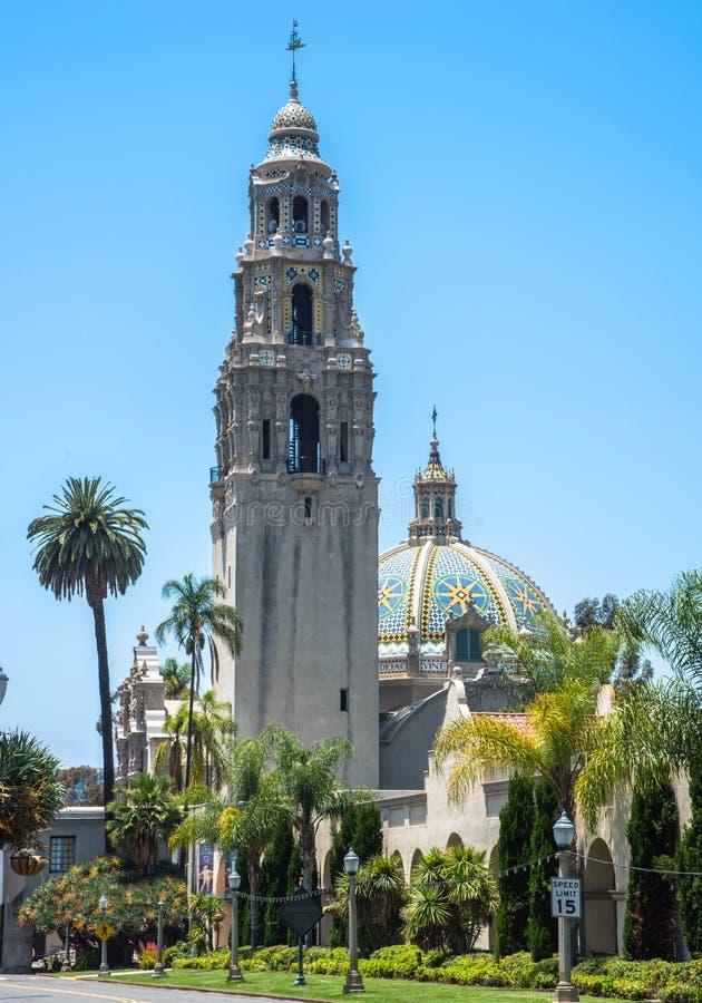 在巴波亚公园的钟楼在圣地亚哥加利福尼亚 库存照片