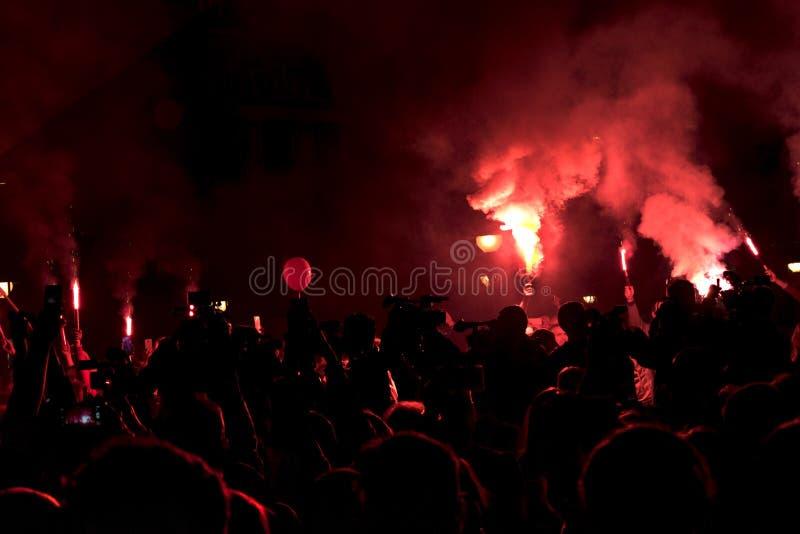 在`火山的` situacion的抗议peopl 库存照片