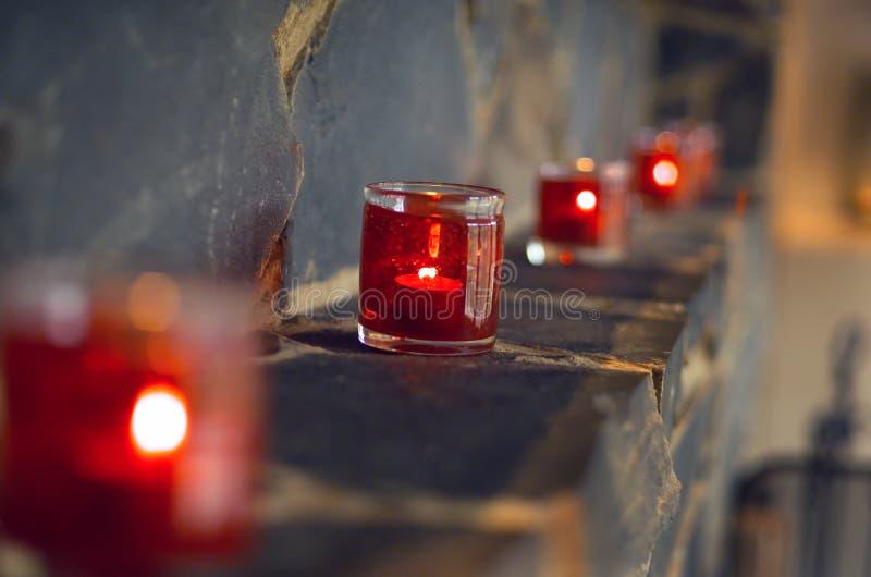 在玻璃容器的蜡烛 图库摄影