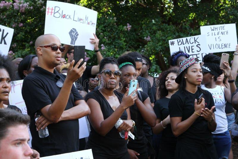 在黑生活问题抗议的人群 库存照片