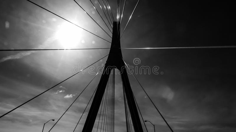 在黑白的桥梁间距 免版税库存照片