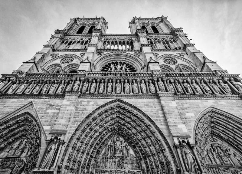 在黑白的Notre Dame巴黎 免版税库存图片