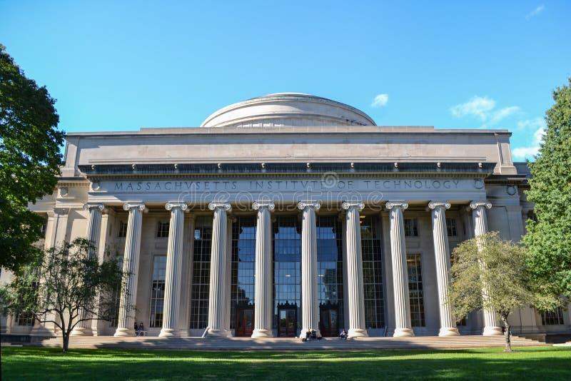 在麻省理工学院MIT的麦克劳林大厦在剑桥马萨诸塞 免版税库存照片