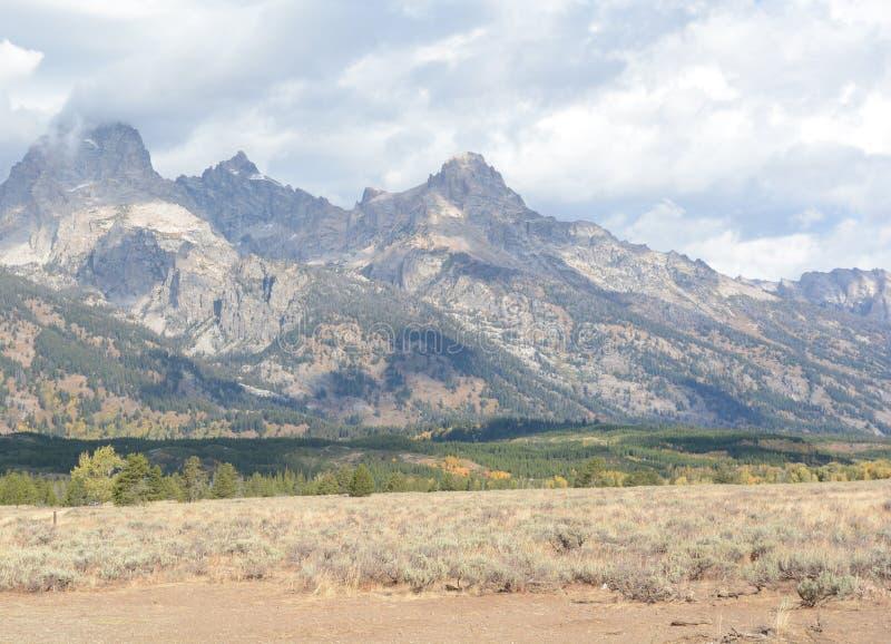 在黄石NP附近的盛大Tetons 库存图片