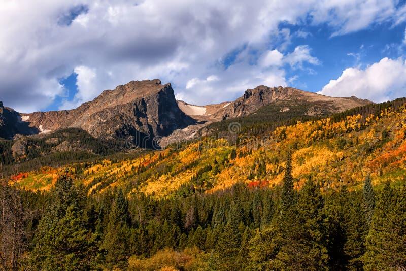 在洛矶山国家公园,科罗拉多的秋天颜色 免版税库存照片
