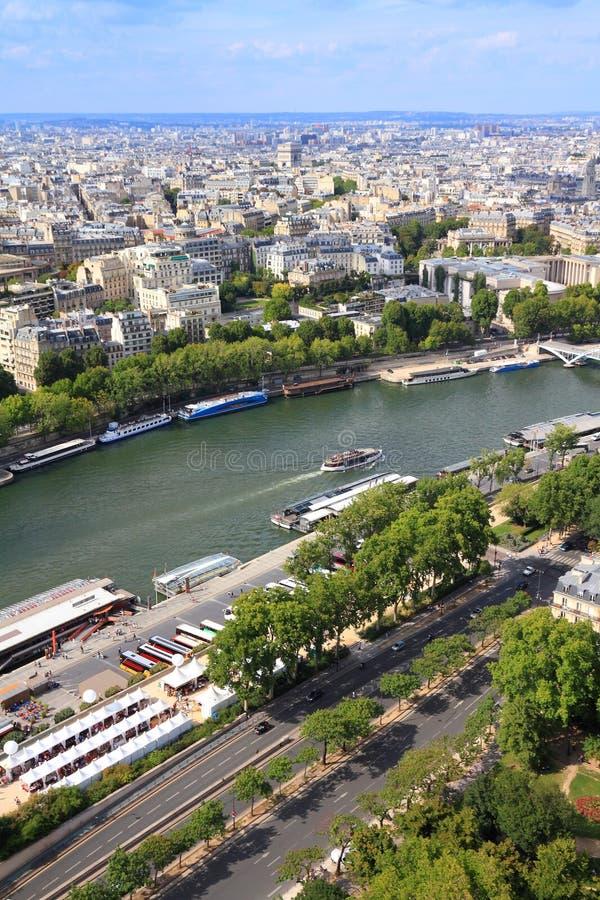 在巴黎围网的桥梁都市风景 免版税库存照片