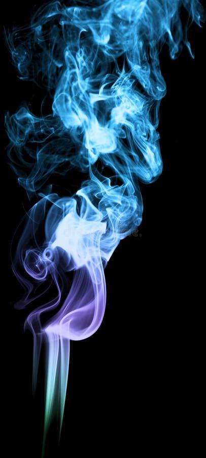 在黑背景抽象派纹理雾的彩色烟幕 elem 免版税库存照片