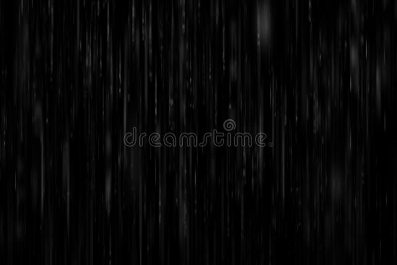 在黑背景的现实大雨 免版税库存图片