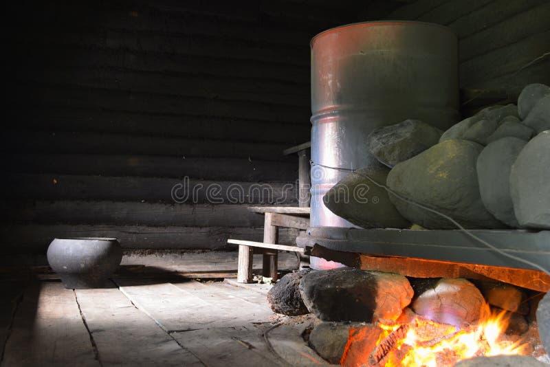 在黑色的俄国浴 免版税库存图片
