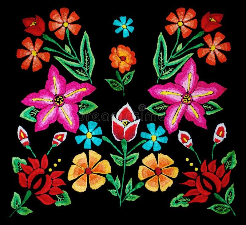 在黑色的花卉刺绣