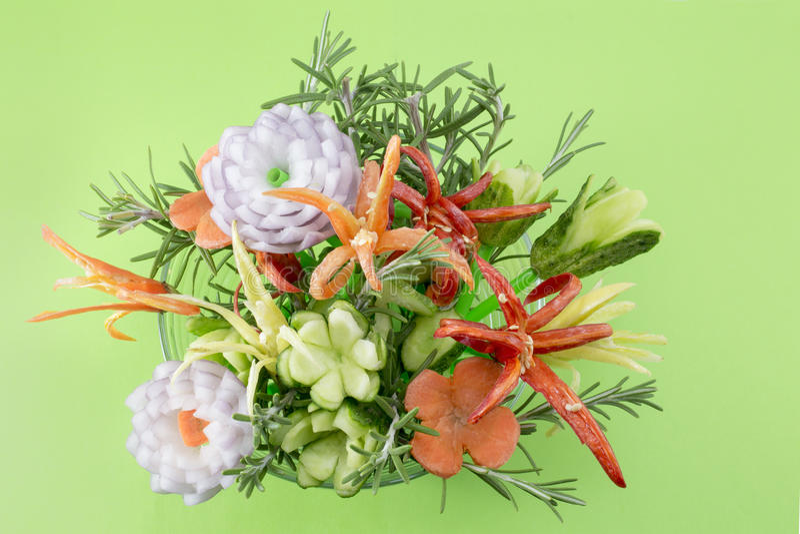 在绿色的花形状的菜沙拉 库存图片