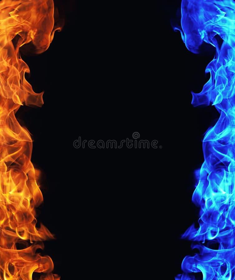 download 在黑色的蓝色和红火 库存图片.