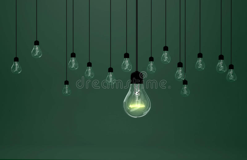 在绿色背景的电灯泡, 库存图片