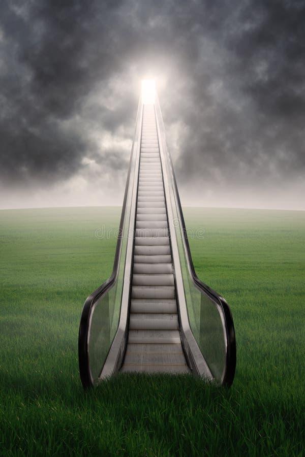 在绿色领域的自动扶梯与cloudscape 免版税库存图片