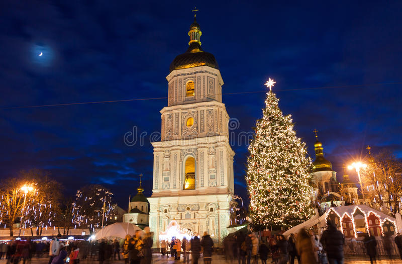 在索菲娅广场的圣诞节市场在Kyiv,乌克兰 图库摄影