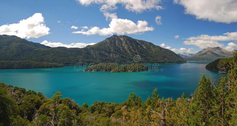 在巴里洛切,阿根廷附近的湖Mascardi 库存照片