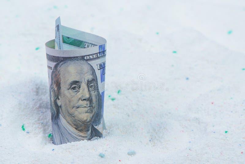 在质量有效的洗涤的洗涤剂的挽救金钱 库存图片
