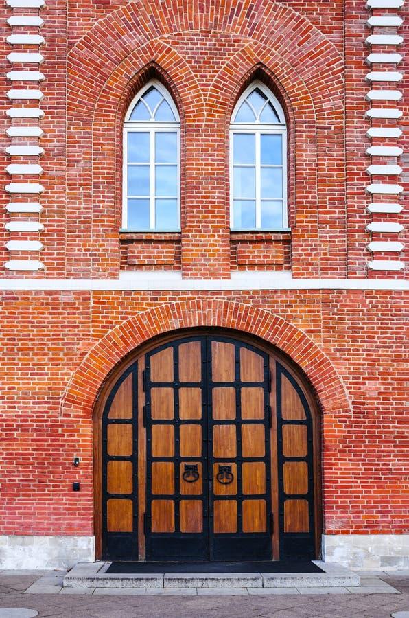 在`面包议院`的木门在Tsaritsyno,莫斯科博物馆庄园  免版税库存图片