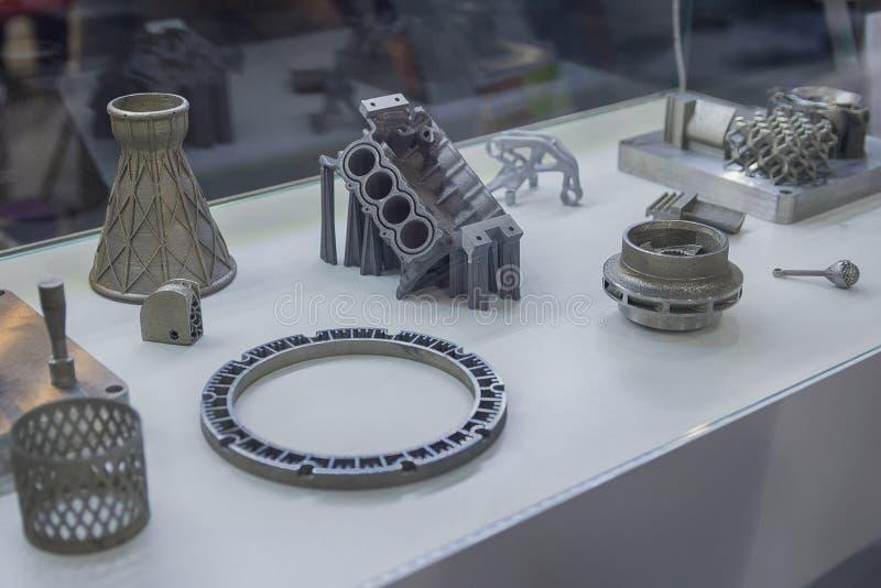 在3D打印机打印的金属对象 库存照片