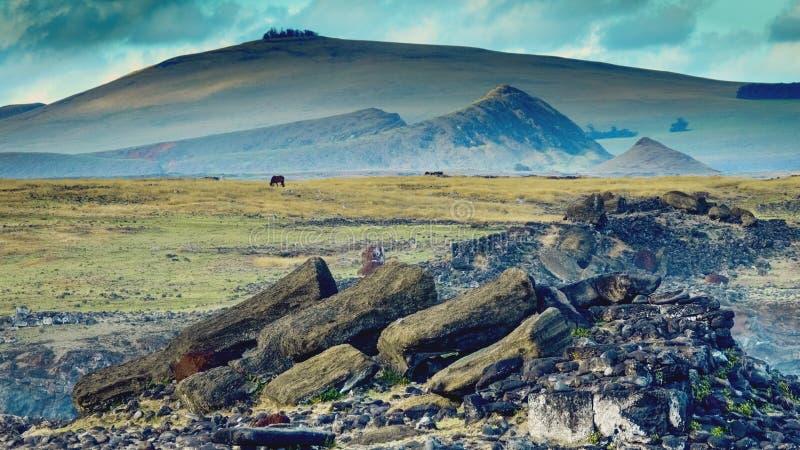 在Ahu Akahanga仪式平台的Moai Rapa Nui国家公园复活节岛世界遗产名录站点  库存图片