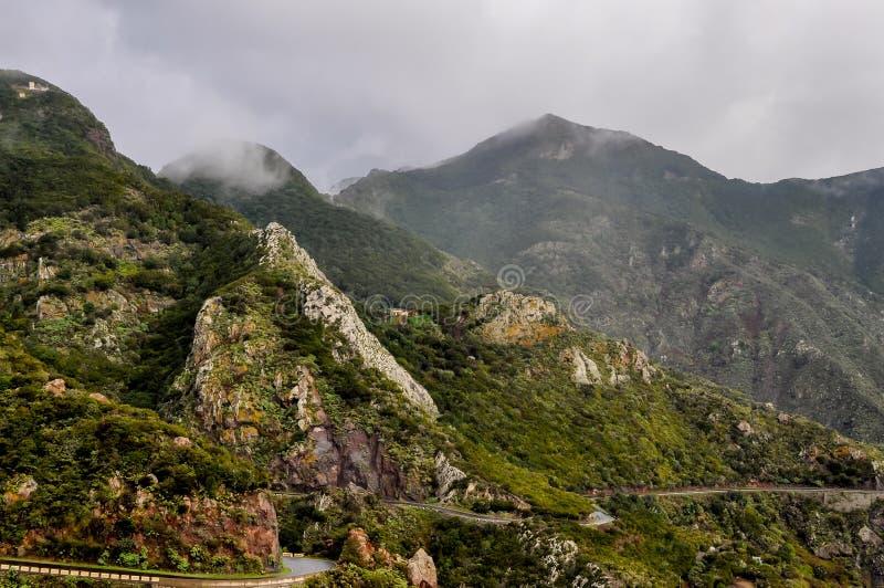 在Anaga山的有雾的天气,特内里费岛,西班牙 免版税库存照片