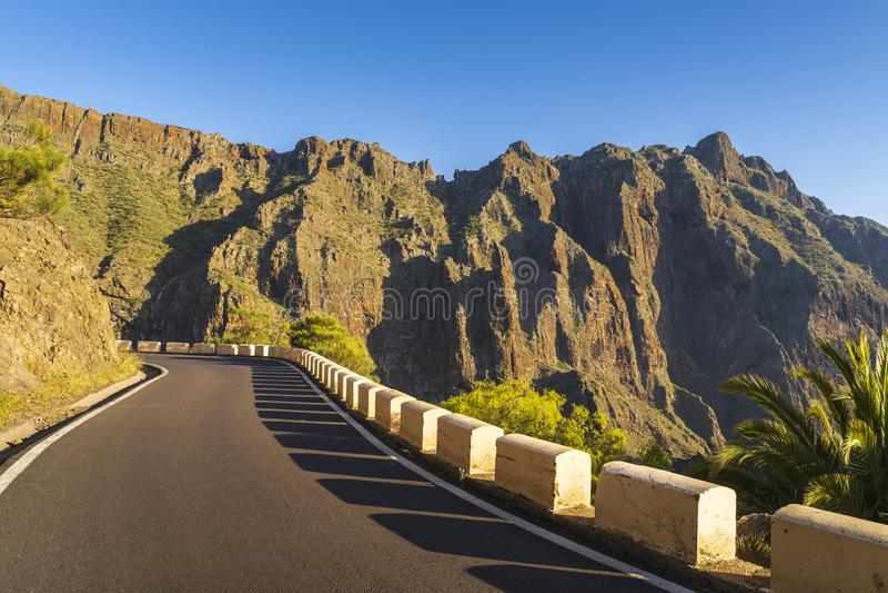 在Anaga山Taganana的路 图库摄影