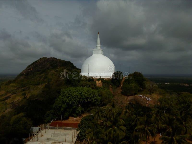 在anuradapura斯里兰卡的mahiyangana Chaithya 免版税库存图片