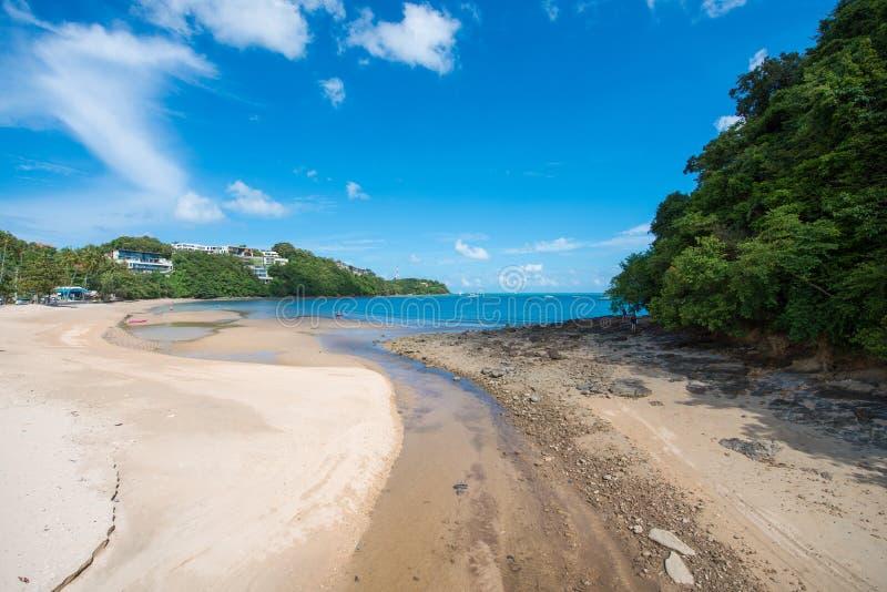 在Ao彼处的海滩,普吉岛的美丽的热带海滩 免版税图库摄影