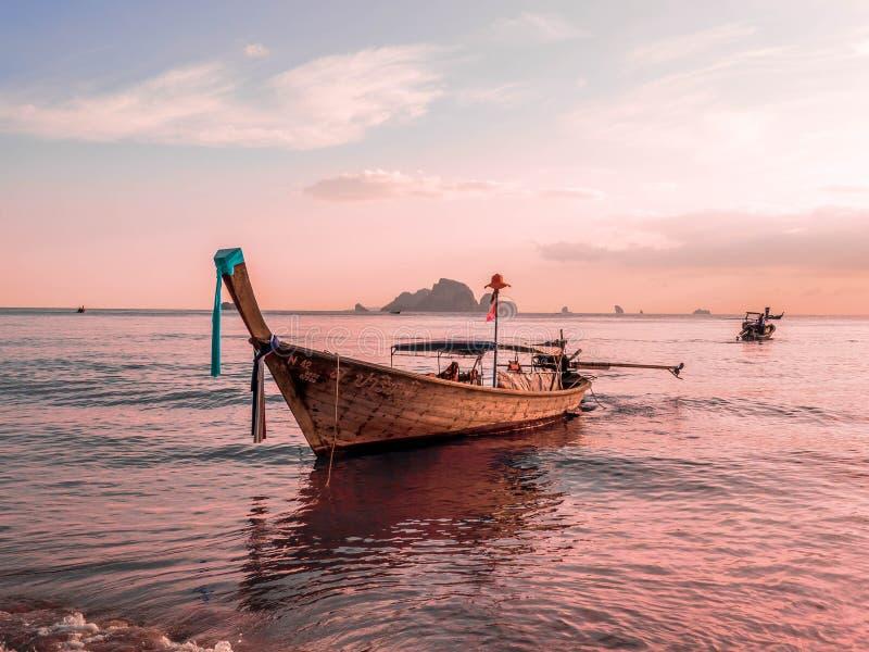 在Ao Nang, Krabi,泰国的日落 库存图片