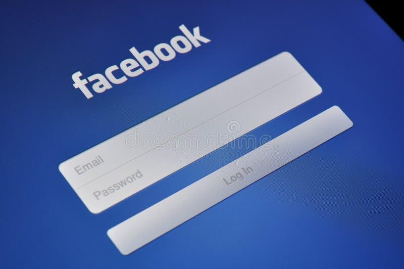 在Apple iPad的Facebook登录 库存照片