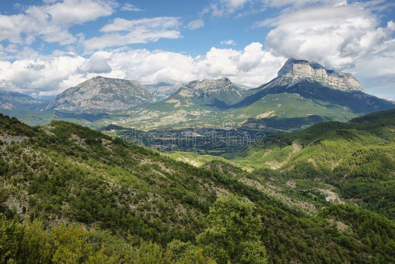 在Aragonese比利牛斯,西班牙的Penya Montanyesa 免版税库存照片